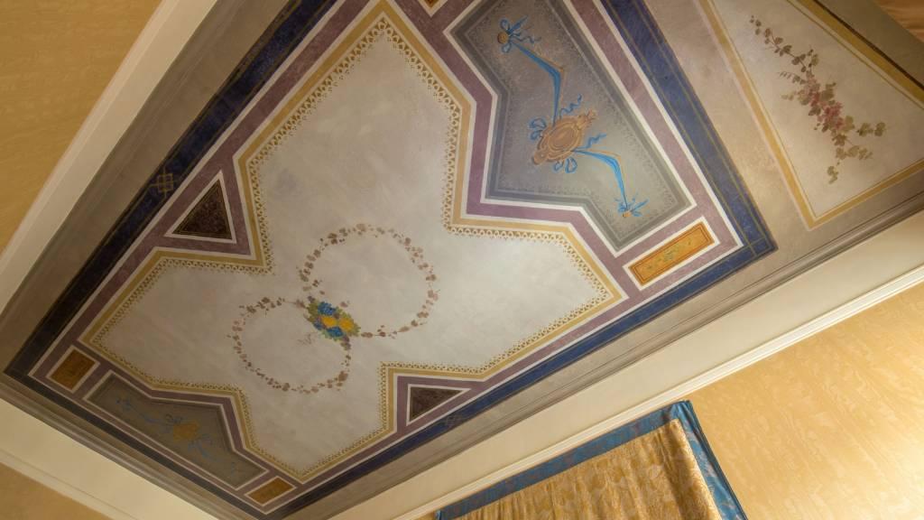 hotel-canada-roma-soffitto-1