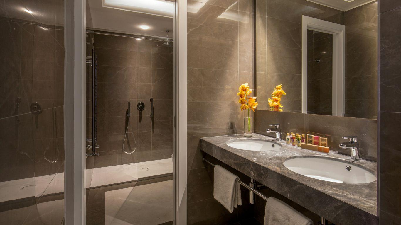hotel-canada-rom-bad-3470